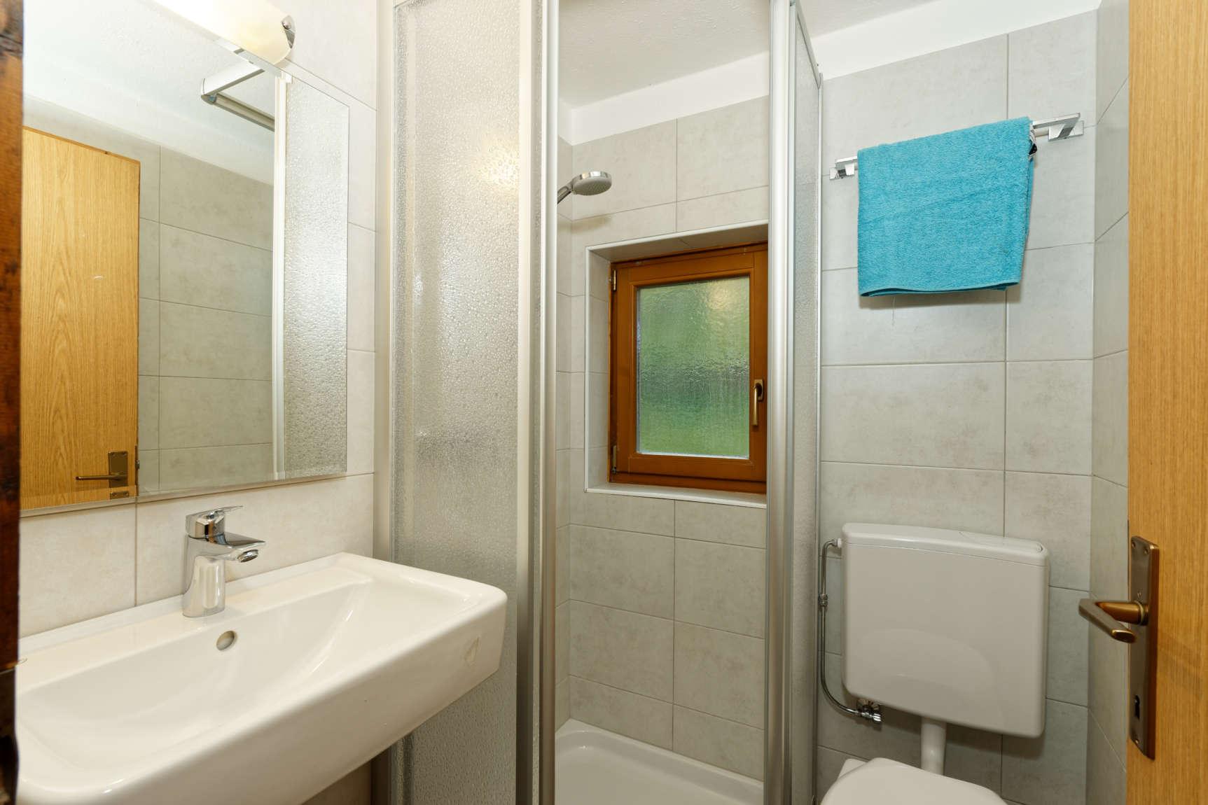 Badezimmer Mit Dusche 01
